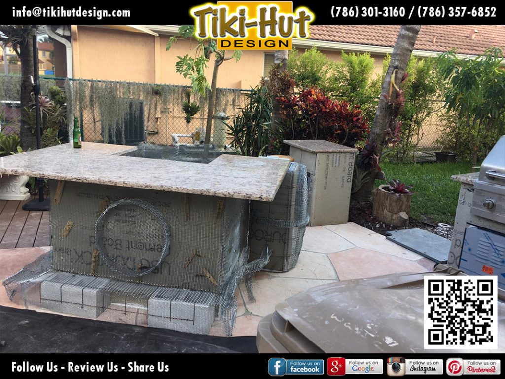 tiki-hut-design-cement-barrel-with-marmol-countertop-before