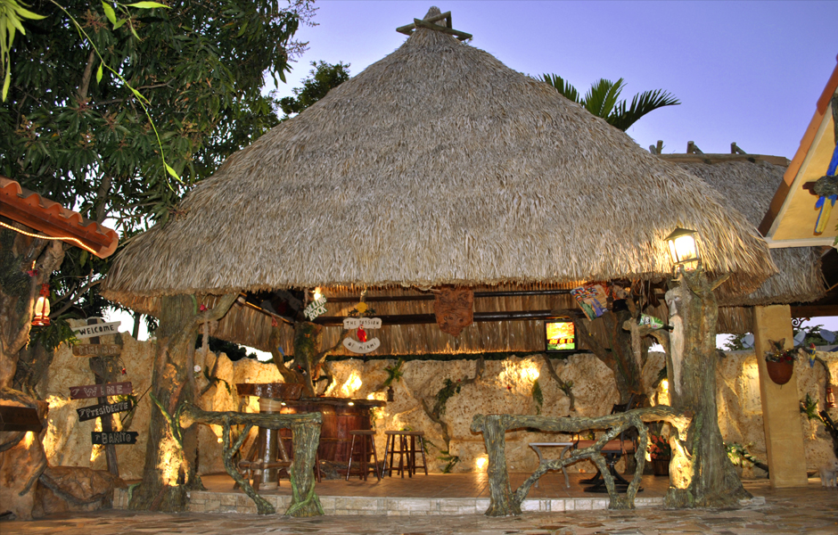 tiki-hut-design-custom-tikibar-keywest-1
