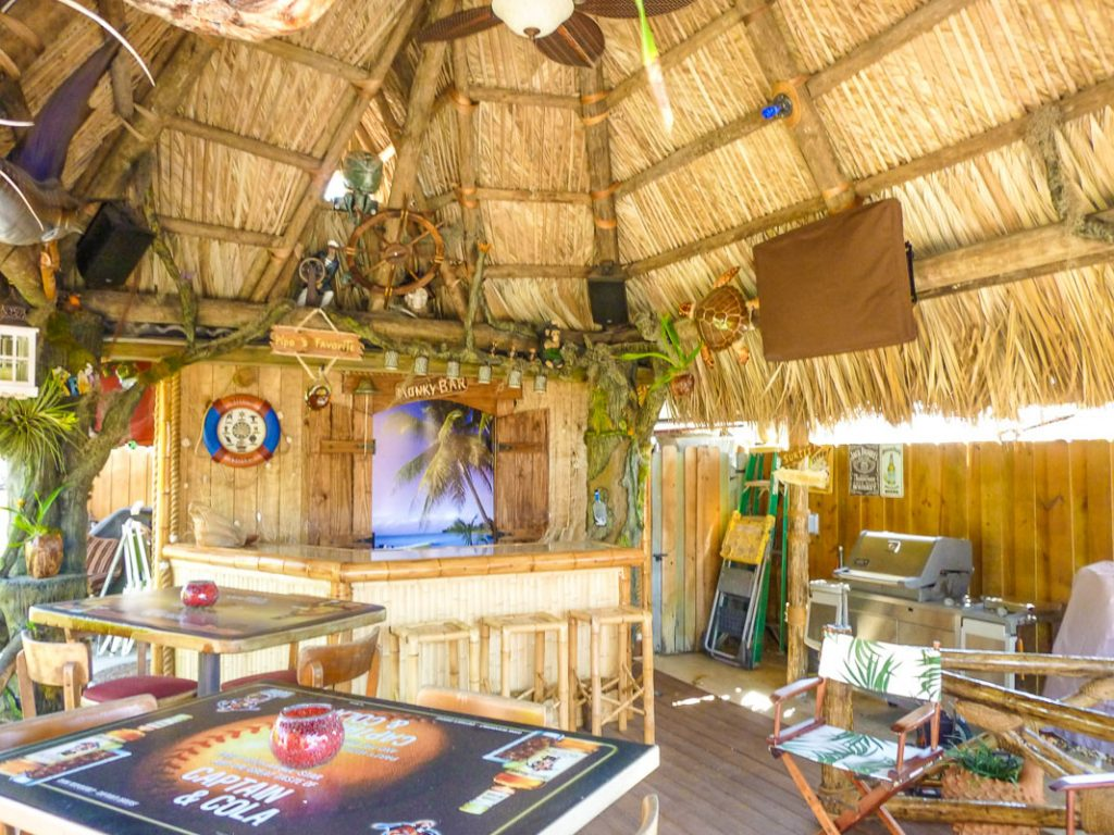 tiki-hut-design-custom-tikibar-keywest-10