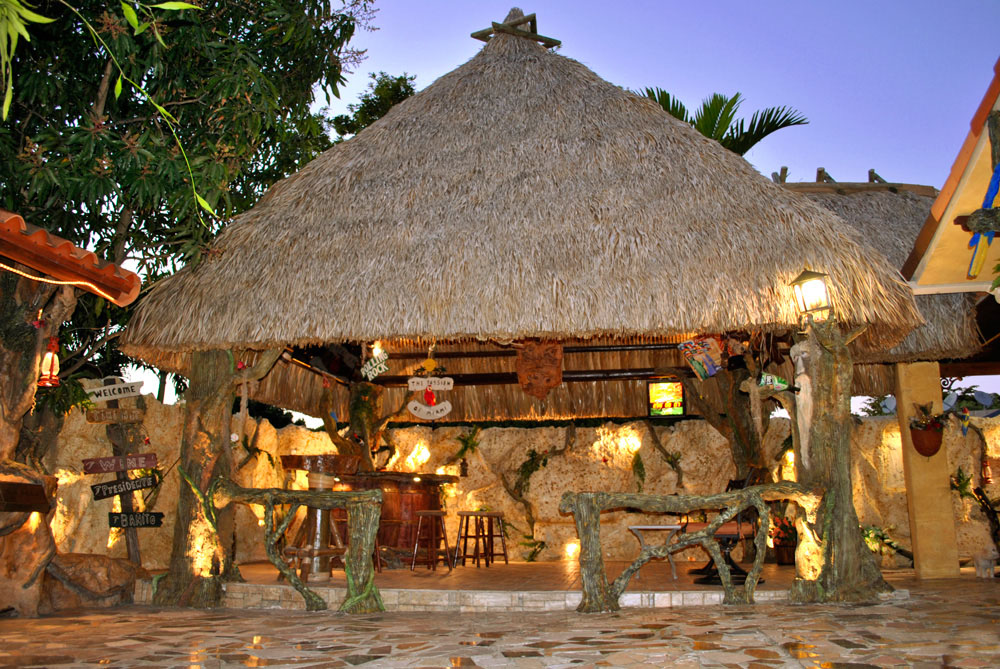 tiki-hut-design-custom-tikibar-keywest-9